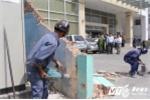 Lấn chiếm vỉa hè, tường trước trụ sở đại diện phía Nam của Bộ Công thương bị đập bỏ