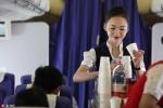 Tranh cãi nhan sắc nữ tiếp viên hàng không đẹp nhất thế giới