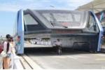 Sau nghi vấn lừa đảo, 'xe buýt bay' Trung Quốc tiếp tục chạy thử