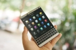 BlackBerry Passport màu bạc giảm giá 4,5 triệu đồng