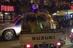 Hàng chục người truy đuổi tài xế gây tai nạn bỏ chạy