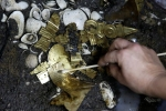 Phát hiện chấn động giới khảo cổ: Các chó sói phủ đầy vàng ròng