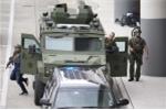 Xả súng sân bay Mỹ, hành khách hoảng loạn, tràn ra đường băng