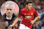 Chống lệnh Mourinho, Darmian thành 'hàng thải' ở Man Utd