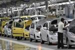 Ô tô giảm giá 150 triệu đồng: Khách Việt cố chờ 2018 mua xe rẻ