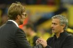 Jose Mourinho vs Jurgen Klopp: 'Người bình thường' át vía 'Người đặc biệt'