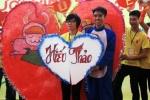 Bạn trẻ tỏ tình lãng mạn trong ngày hội hiến máu