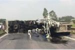 Tràn dầu sau tai nạn, cao tốc Hà Nội - Thái Nguyên tê liệt nhiều giờ