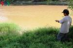Nghi án gã hàng xóm giở trò đồi bại với bé gái 8 tuổi rồi ném xuống sông