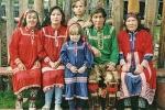 Kì cục bộ tộc có phong tục đổi vợ đổi chồng cho nhau