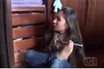 Nghị lực phi thường của cô gái không tay khiến triệu người cảm phục