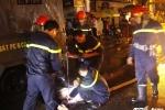 Cảnh sát phòng cháy chữa cháy xuyên đêm hút nước cứu dân TP.HCM