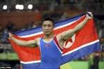 Nỗi niềm phía sau 'màn ăn mừng HCV buồn nhất Olympic' của nhà vô địch Triều Tiên