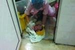 Phẫn nộ vụ y tá đem vứt rác bé sơ sinh còn sống