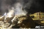 Video: Khoan tảng đá khổng lồ tìm thi thể 12 người bị lũ cuốn mất tích tại Mù Cang Chải