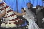 Cười vỡ bụng hàng loạt sự cố trong đám cưới