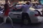 Clip: Cô gái dùng chai thủy tinh đập vào đầu tài xế taxi