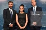 Thu Minh tươi rói xuất hiện cùng Beckham và Hoàng tử Anh