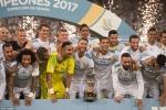 Thắng dễ Barca, Real Madrid hân hoan nâng cúp vô địch