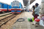 Nhân viên đường sắt ngủ quên, hai đoàn tàu suýt tông nhau ở Bình Thuận