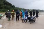 Phát hiện thi thể nam giới không đầu trên bãi biển sau bão số 4 ở Quảng Trị