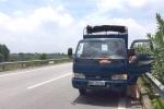 Bị CSGT truy đuổi, tài xế để xe trên cao tốc rồi bỏ trốn
