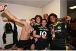 Cầu thủ Chelsea phấn khích ăn mừng vô địch Ngoại hạng Anh