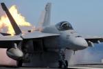 Bảo dưỡng chiến cơ F-18, hai lính Mỹ bị thiêu sống