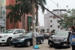 Ô tô đỗ ngang ngược trước trụ sở cơ quan nhà nước: Hải Phòng quyết đòi lại vỉa hè
