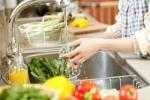 Rửa rau đúng cách kẻo 'rước bệnh vào nhà'