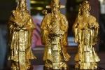 Soi loạt đồ mạ vàng 'sốt xình xịch' dịp Tết