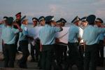 Ảnh: Đồng đội đau xót, tiếc thương đón thi thể phi công Trần Quang Khải