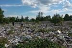 Hàng chục chuyến xe tải đổ trộm chất thải của Formosa tại Thiên Cầm
