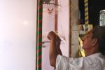 Ảnh: Nghệ nhân làm đèn kéo quân truyền thống bán đi nhiều tỉnh thành
