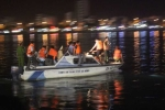 Clip: Cứu hộ tàu du lịch chở hơn 40 người lật úp trên sông Hàn