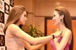 Sợ Ngọc Loan hớ hênh vì quá gợi cảm, Phạm Hương tận tình chỉnh váy