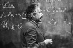 Con đường trở thành huyền thoại của nhà bác học Albert Einstein