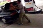 Clip: Ghen tuông, chồng đánh đập, nhét vợ vào cốp xe