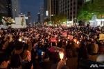 Hàng nghìn người Hàn Quốc thắp nến biểu tình đòi tổng thống từ chức