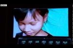 Bé gái giúp cảnh sát bắt 1.000 tên tội phạm ấu dâm