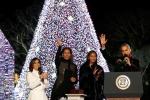 Ảnh: Gia đình ông Obama thắp sáng cây thông Noel mừng Giáng sinh cuối cùng tại Nhà Trắng