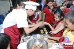 Khám phá lớp học làm bánh Trung thu truyền thống của học sinh Hà thành