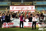 Hà Nội T&T vô địch V-League kịch tính như phim hành động