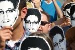 Thế giới 24h: Snowden ngụy trang khi ra phố ở Nga
