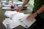Dân tố phó phòng cảnh sát nhận tiền chạy việc