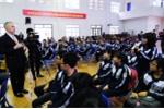 Học sinh trường chuyên Hùng Vương hào hứng trò chuyện với Đại sứ Mỹ Ted Osius