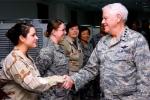 Cưỡng hiếp nữ đại tá, tướng 4 sao Mỹ bị giáng chức, cắt lương