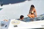 Vợ trẻ ông trùm F1 mặc bikini nhỏ xíu, khoe thân hình vạn người mê