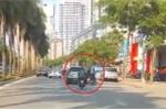 Truy tìm tài xế ô tô gây tai nạn rồi bỏ chạy trên phố Hà Nội