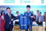 Xuân Trường xô đổ cột mốc 30 năm của bóng đá Đông Nam Á